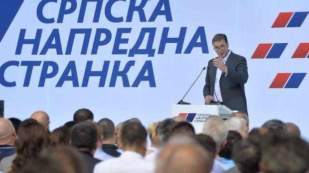 Vučić najavio velike kadrovske promene u SNS-u i vladi