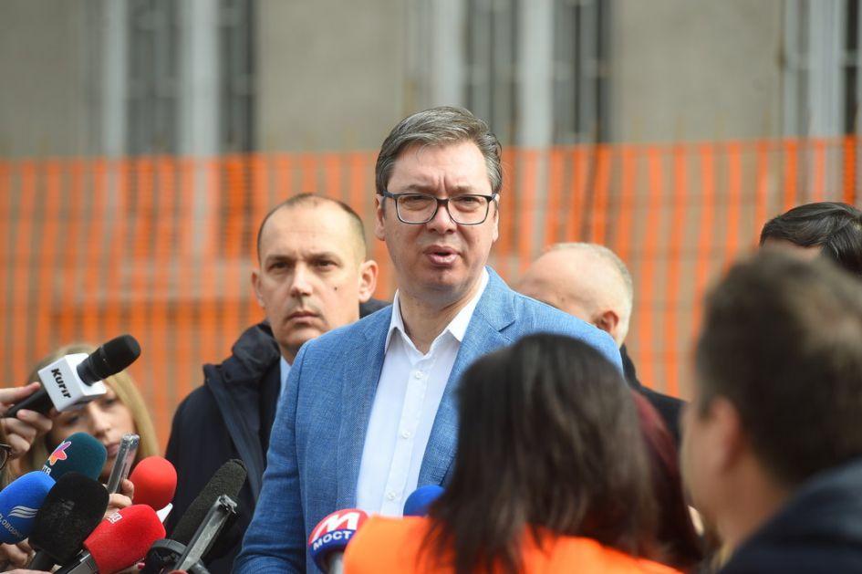 Vučić obišao radove na obnovi infektivne klinike Kliničkog centra Srbije