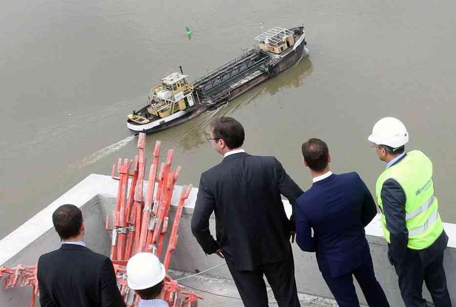 Vučić obišao radove u Beogradu na vodi