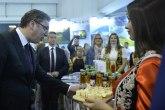 Vučić obišao štand Kancelarije za KiM na Sajmu turizma