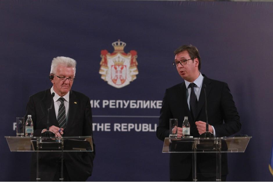 Vučić pomera rok za predlog za Kosovo?