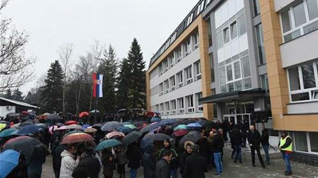 Vučić posetio obnovljenu školu u Gornjem Milanovcu