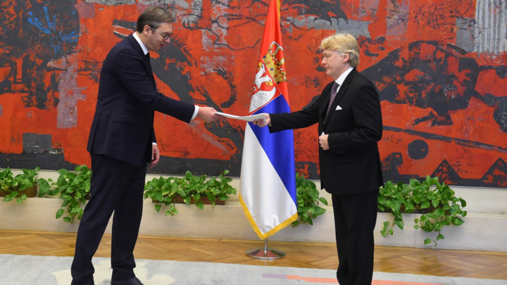 Vučić prima akreditivna pisma novih ambasadora! (FOTO)