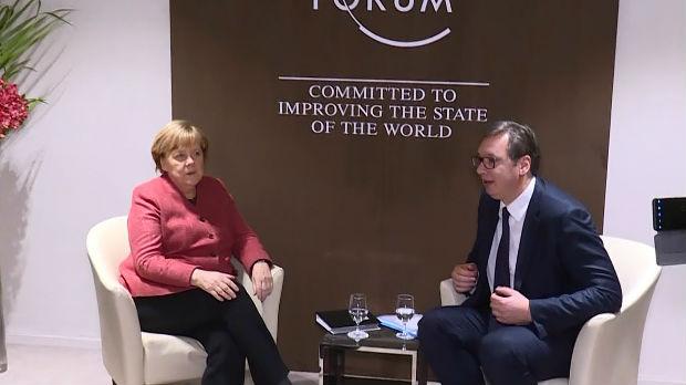 Merkelova poštuje želju Beograda da se postigne kompromis