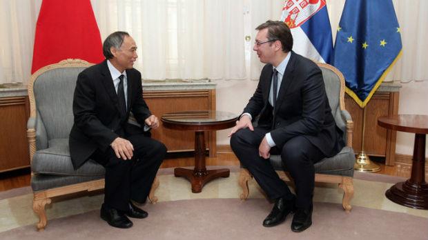 Vučić sa ambasadorom Lijem uoči posete Kini