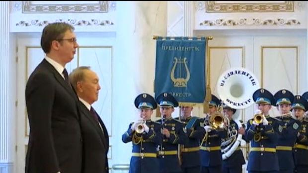 Vučić sa Nazarbajevom, razgovori o saradnji i razmena odlikovanja