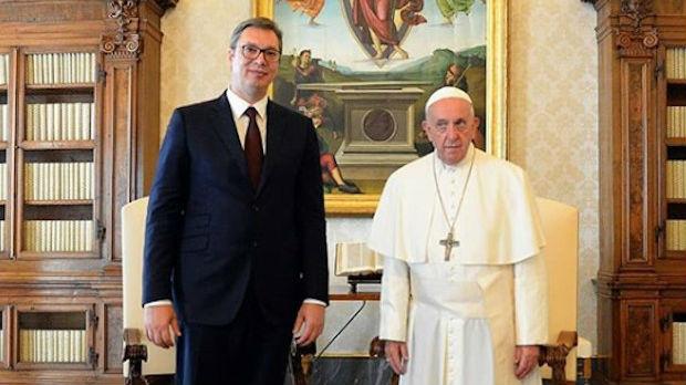 Vučić sa papom Franciskom: Saradnja na izuzetno konstruktivnom nivou