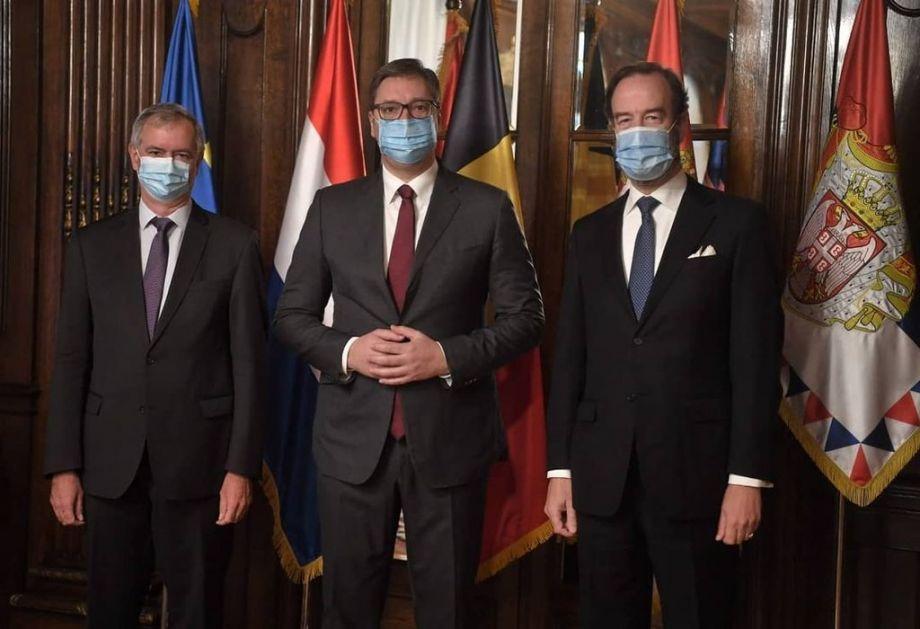 Vučić se sastao sa ambasadorima Belgije i Holandije
