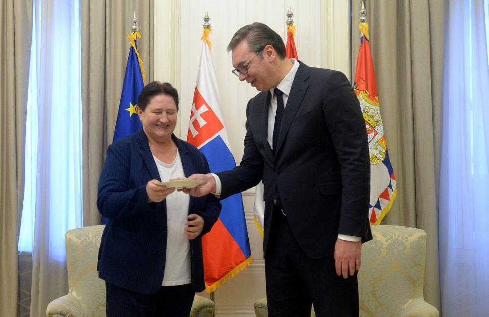 Vučić se sastao sa odlazećom slovačkom ambasadorkom