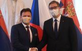 Vučić se upisao u Knjigu počasnih gostiju češkog Poslaničkog doma FOTO