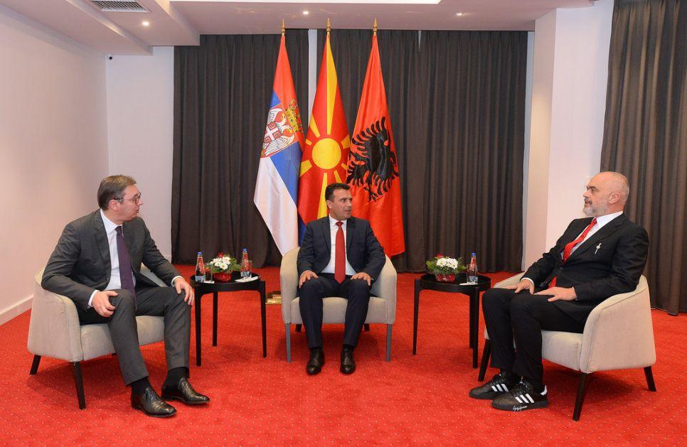Vučić stigao u Skoplje na skup u okviru Mini Šengena, tri važna sporazuma u Skoplju