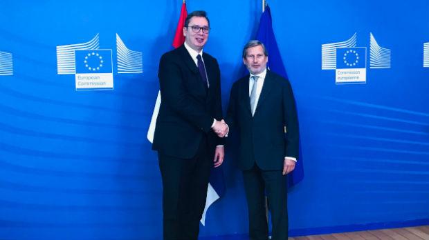 Vučić u Briselu, sastao se sa Junkerom i Hanom