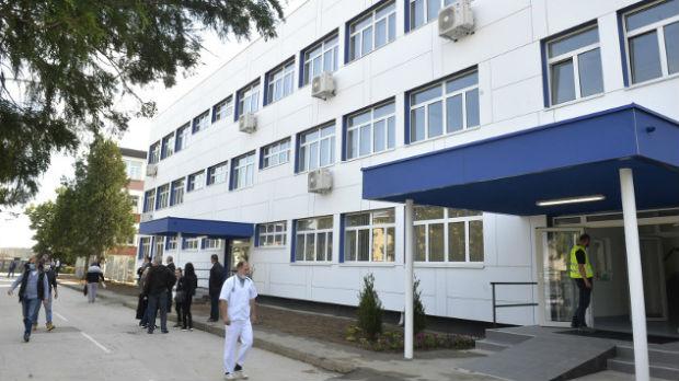 Vučić u Loznici otvorio obnovljeni deo bolnice