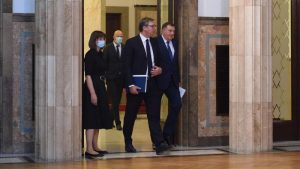 Vučićeva namera je da utiša nestašnog Dodika