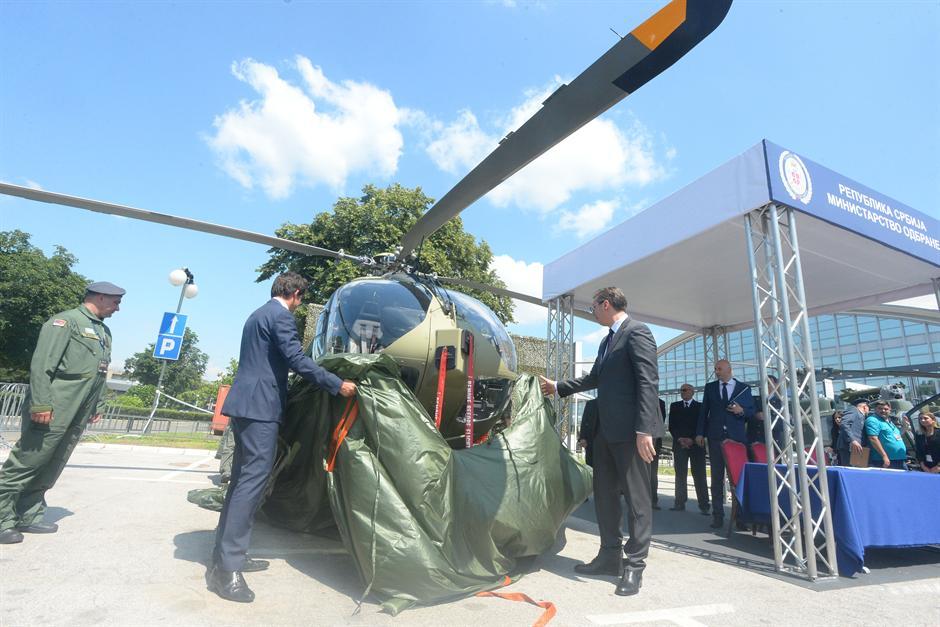Vučiću predat prvi od devet novih EU helikoptera