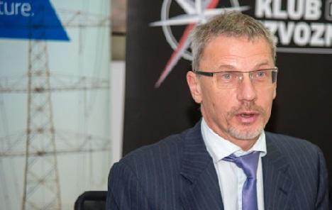 Vujčić: Vlada je trebala ranije povećati kvote za uvoz radnika