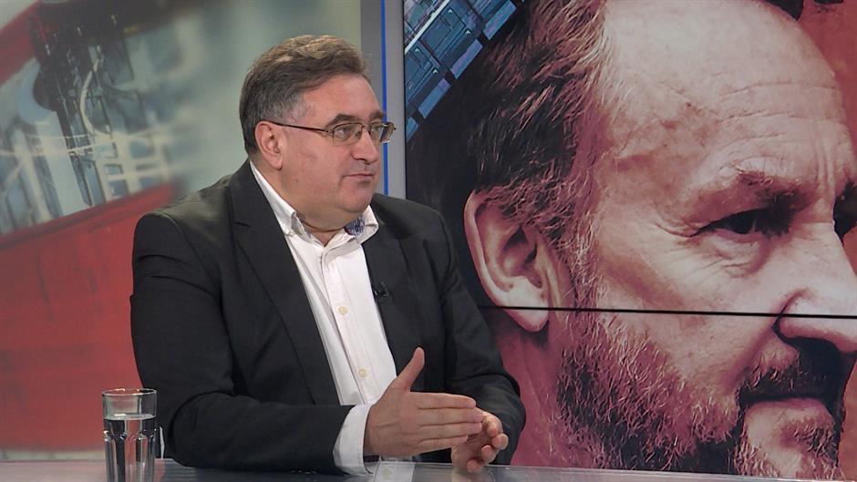 Vukadinović: Kao na zvonce treba nekog da mrzimo ili volimo
