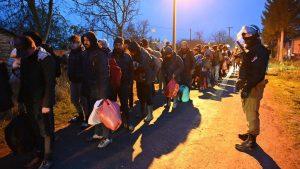 Vulin: Akcijom MUP-a oko 450 migranata vraćeno u kampove i prihvatne centre