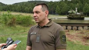 Vulin: Ministarstvo naručilo nove haubice i oklopna vozila iz Velike Plane