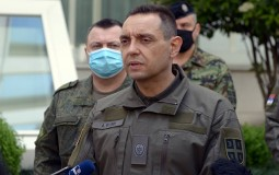 Vulin: Od koronavirusa preminula tri pripadnika Vojske Srbije, inficirano njih 52
