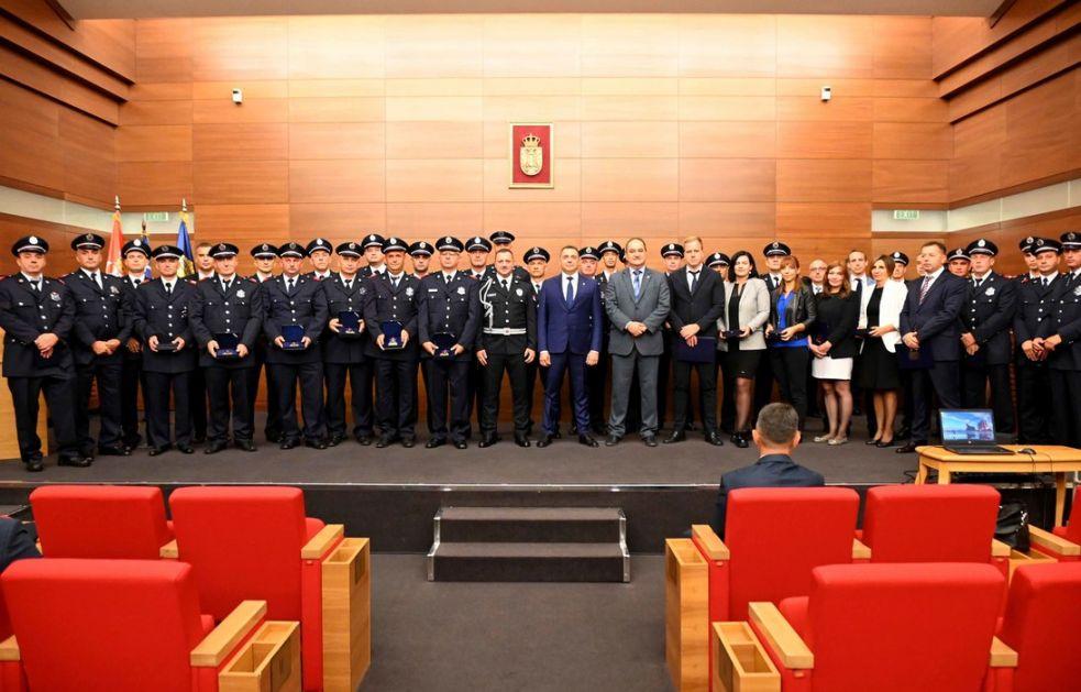 Vulin: Srbija može da se osloni na vatrogasce-spasioce