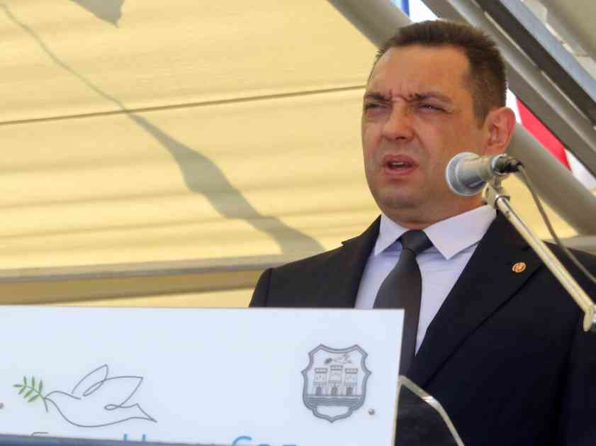 Vulin: Vučić preuzeo veliku odgovornost, treba da podeli teret