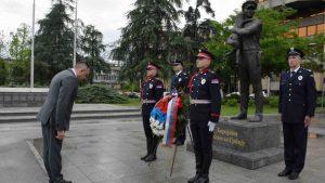Vulin odao poštu policajcima poginulim 1981. u okršajima sa Albancima u Donjem Prekazu