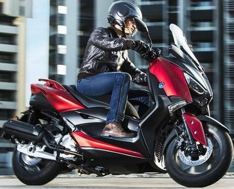 Yamaha predstavila novi X-MAX 125 skuter