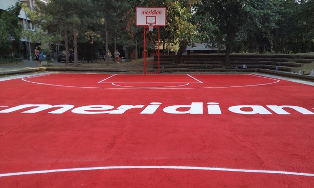 ZA BUDUĆE ŠAMPIONE, REPREZENTATIVCE I NBA ZVEZDE: Kompanija Meridian otvorila košarkaški teren