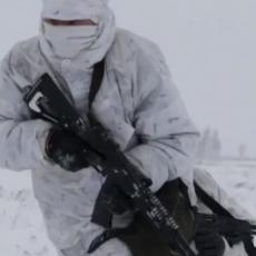 ZA RUSKE SPECIJALCE PREPREKE NE POSTOJE: Pet kilometara na skijama, pa žestok napad iz zasede (VIDEO)