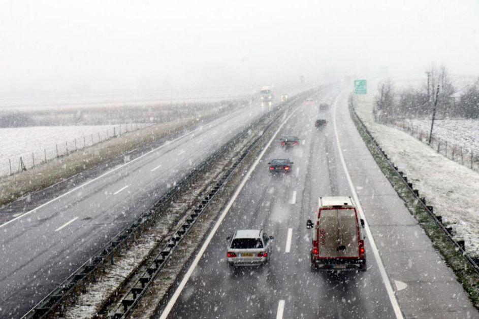 ZABELELA SE SRBIJA: Pogledajte gde je sve pao PRVI SNEG! Pada i u Beogradu, evo koliko će ga biti! Prognoza za doček!