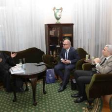 ZAJEDNIČKI PROJEKTI: Patrijarh Porfirije sastao se danas sa Goranom Vesićem (FOTO)