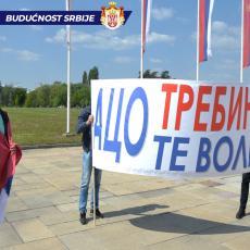 ZAJEDNO U LEPŠE DANE: Građani se okupili kod Palate Srbija, svi kliču ISTU PORUKU (FOTO)