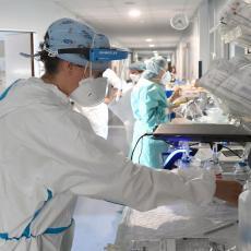 ZAPALILA CELU BOLNICU: Medicinska sestra nosila samo DONJI VEŠ ispod zaštitnog odela, pacijenti ODUŠEVLJENI (FOTO)