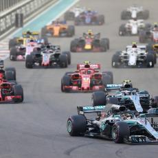ZAPAMTITE OVU SCENU: Ove slike imaće POSEBNO mesto u istoriji Formule 1 (FOTO)