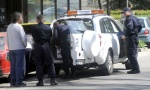 ZAPLENA UDžBENIKA U KOSOVSKOJ: Uhapšen prodavac, napao inspektora