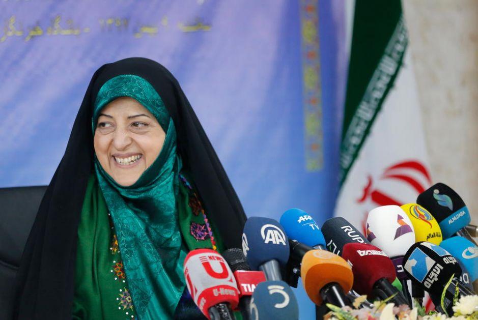 ZARAŽENA I IRANSKA POTPREDSEDNICA: Juče sedela pored predsednika Rohanija, danas je u bolnici zbog koronavirusa