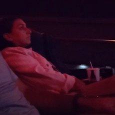ZAŠTO SI MI TO URADIO? Odveo je suprugu u bioskop i pustio potresan snimak, i ona i MILIONI LJUDI SU PLAKALI (VIDEO)