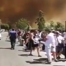 ZASTRAŠUJUĆI SNIMCI POŽARA U BODRUMU: Evakuisani srpski turisti, vatra bukti u blizini hotela (VIDEO/FOTO)