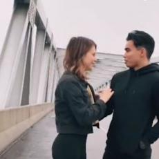 ZAVODNIK, MAJSTORSKI NIVO! Namestio je sve tako da je morala da mu kaže DA! (VIDEO)