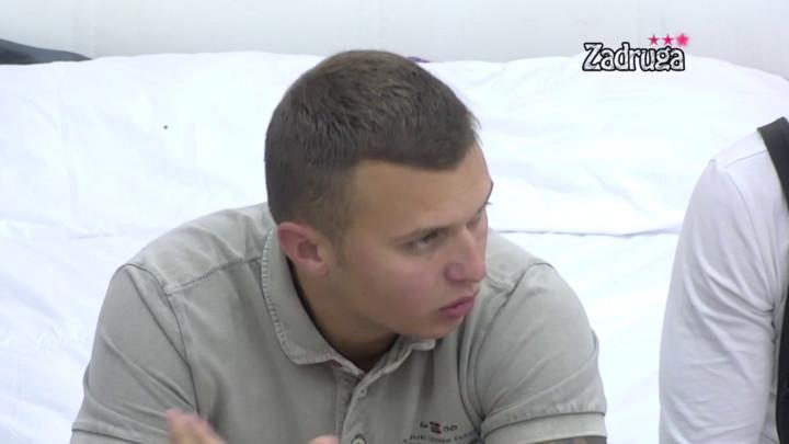ZBOG KIJE NISAM PRIČAO SA OCEM! Stefan Karić osudio sebe zbog svađe sa Dalilom i Dejanom, pa spomenuo Kockarevu! (VIDEO)