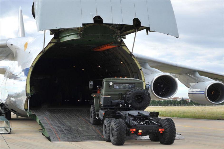 ZBOG OVOG SNIMKA TRESAO SE NATO: Sletanje ruskog aviona ozbiljno je zabrinulo Alijansu (VIDEO)