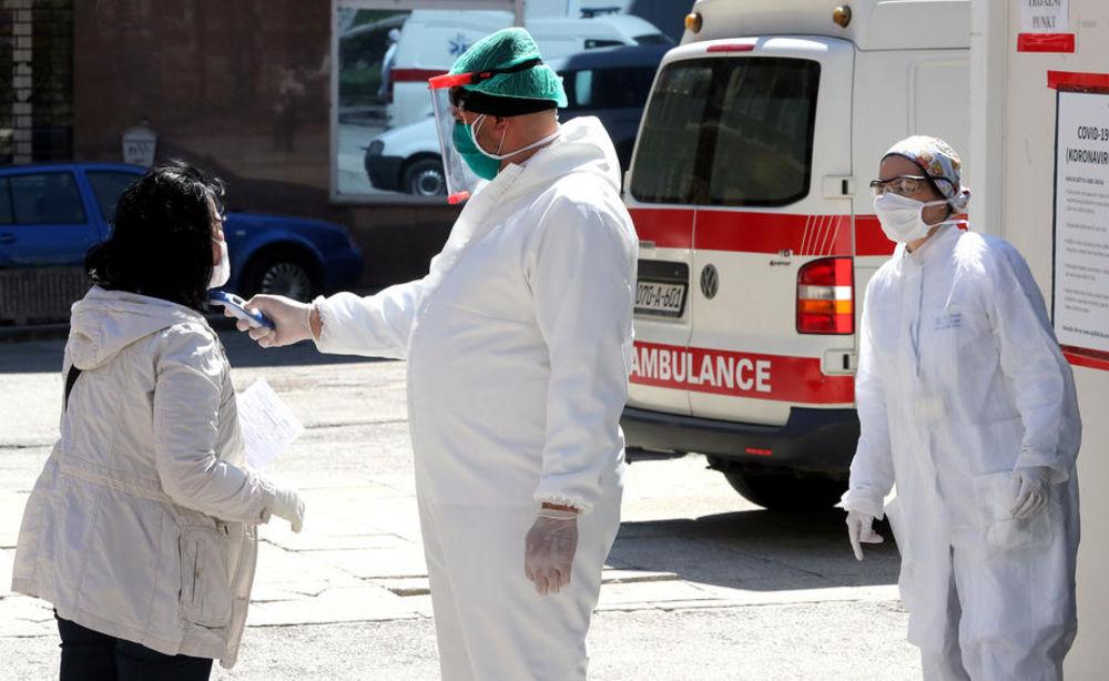 ZDRAVSTVENI SISTEM U REPUBLICI SPRSKOJ NA IVICI PUCANJA: Kovid odeljenja u bolnicama su puna, a lekari su na izmaku snaga