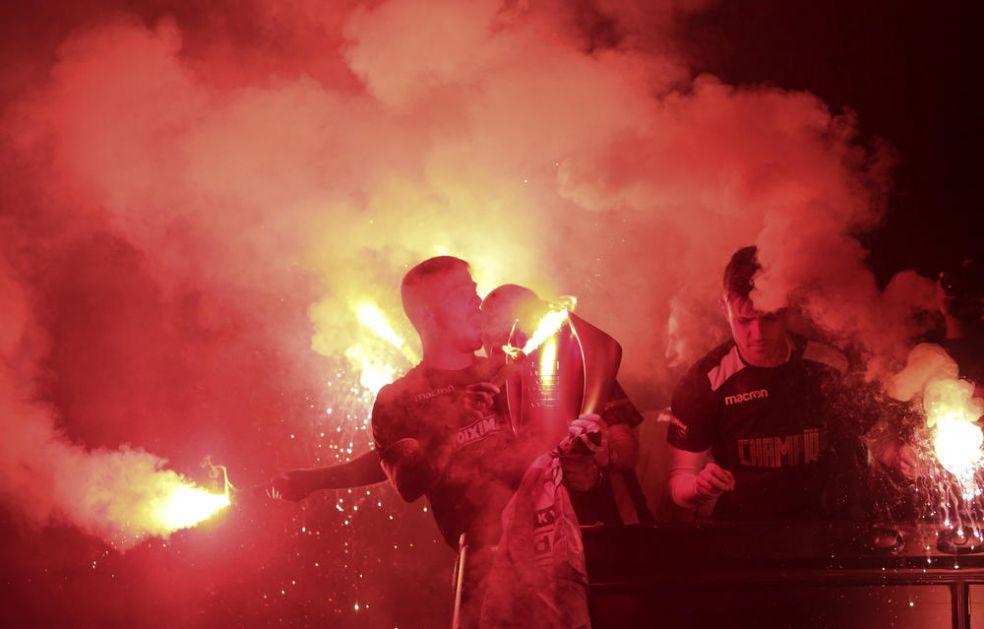 ŽESTOK OBRAČUN NA ULICAMA SOLUNA: Sukob pristalica Arisa i PAOK-a, jedan ranjen, dvojica u bekstvu