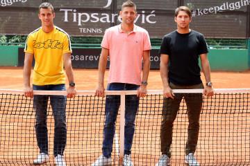 ZGODNI teniseri na jednom mestu: Našli se lepim povodom i ne zna koji bolje izgleda, izglasajte NAJZGODNIJEG! (foto)