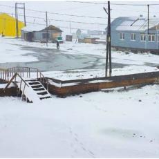 ZIMA USRED JUNA! Sneg iznenadio meštane ruskog gradića na krajnjem istoku zemlje (FOTO/VIDEO)