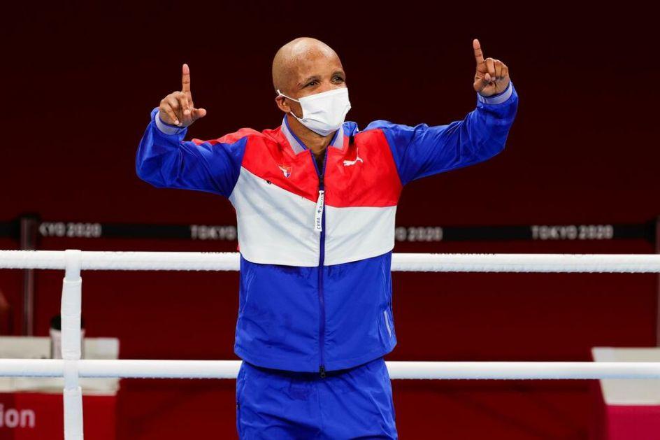 ZLATO ZA KUBANSKOG BOKSERA U TOKIJU: Ronijel Iglesijas olimpijski šampion valter kategorije