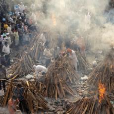 ZVANIČNI BROJEVI NE PRIKAZUJU PRAVE RAZMERE? Pakao u Indiji, REKORDAN broj preminulih za jedan dan!