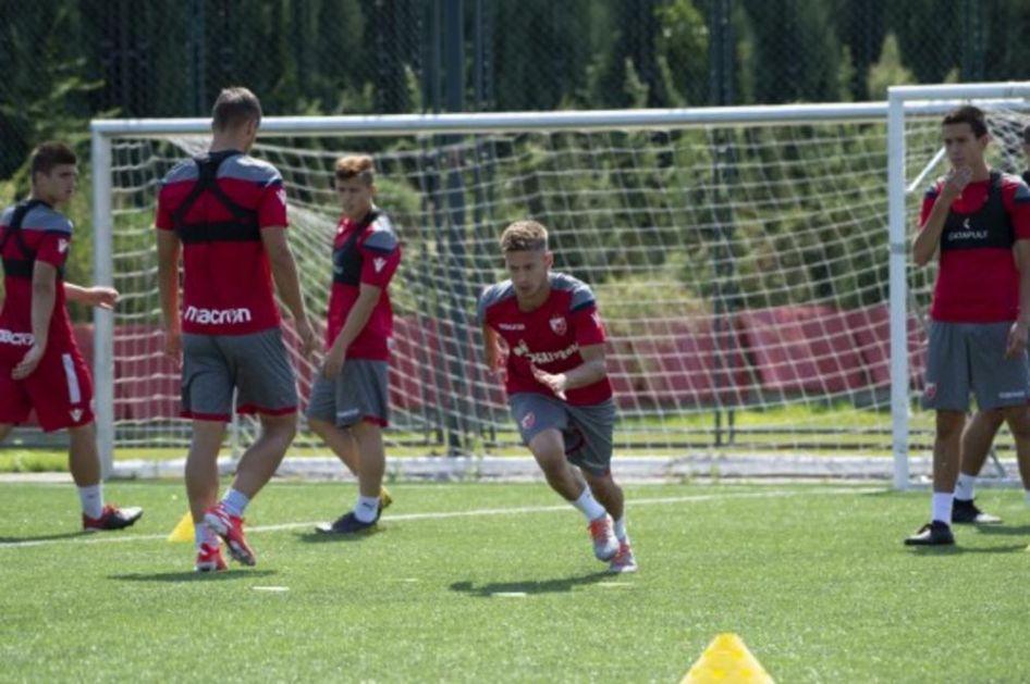 ZVEZDA SPREMNA ZA LIGU ŠAMPIONA: Klub prijavio 40 omladinaca za mečeve protiv Bajerna, Totenhema i Olimpijakosa