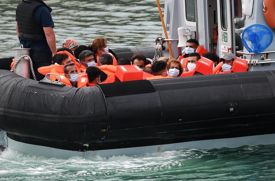 Na italijansko ostrvo Lampeduza stiglo 2.100 migranata